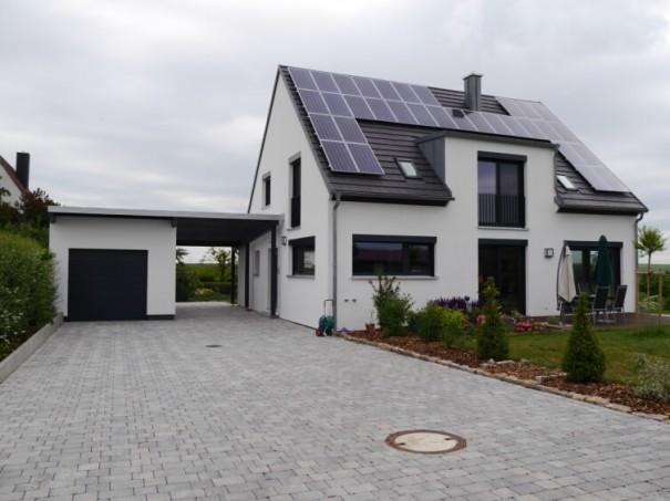 Wohnhaus-Euerfeld-2011-Hof